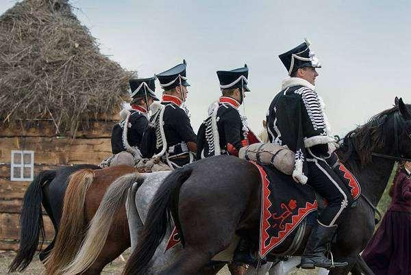Лошадь перевозка грузов конный спорт верховые рысистые породы  Лошадь Ей нет равной на земле