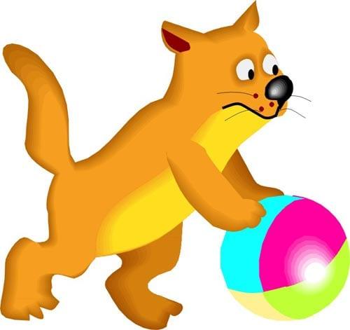 Кот играет с мячом