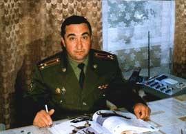 Полковник В. Кацнельсон, начальник Кинологического центра