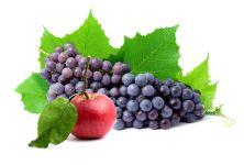 Черный виноград и яблоко