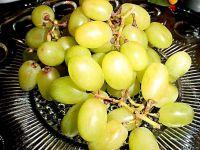 Можно ли есть виноград?