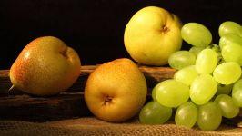 Груши и виноград